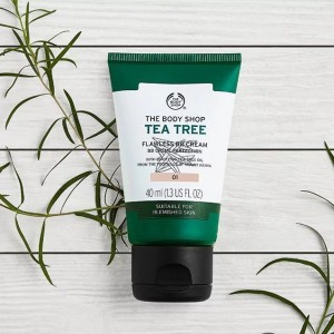The Body Shop Tea Tree Flawless BB Cream- 01 Light-3077